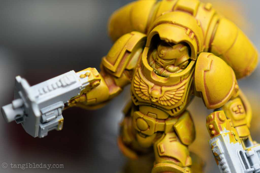 How to Paint Yellow Space Marines (Easy and Fast) - how to paint yellow models and miniatures - yriel yellow for smoothing out the open surface areas of the miniature shoulders