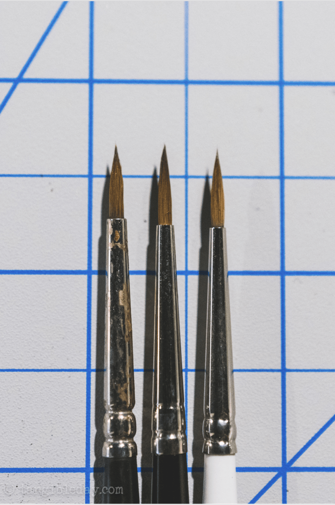 Best Alternative to Winsor & Newton Series 7 Brushes for Painting Miniatures - cheap sable kolinsky sable brushes for painting miniatures - good budget brushes for painting miniatures - w&n series 7 blick artis opus ferrule view