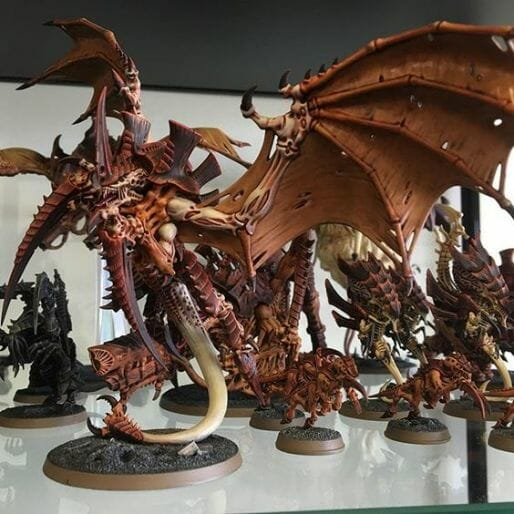 Tyranid color paint schemes – how to paint tyranids – tyranid paint schemes – tyranid army scheme – tyranid color scheme – How to choose Tyranid army color scheme – Tyranid Warhammer 40k colors – Hive fleet color schemes – Hive fleet paint scheme – brown nid army wings