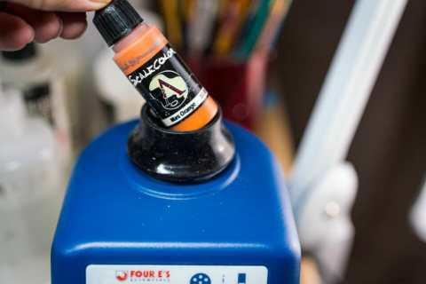 Vortex model paint mixer review - Four E's scientific laboratory vortex mixer - vortexer review for miniature paint - how to use a model paint vortex mixer - tips and review for vortex mixers for miniature and model paint - guide tips for vortex mixing model paint - using the vortex mixer orange paint