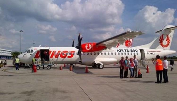 Pesawat Wings Air Tergelincir