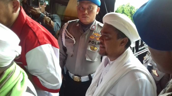 Habib Rizieq Jalani Pemeriksaan diPolda Jabar