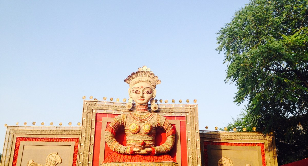 Durgotsava : Delhi looks like Mini-Bengal !  Plan your Durga Puja pandal visit here.
