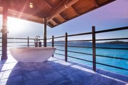 UNGESTÖRT ENTSPANNEN Die Pavillons des Spa sind mit privater Außenbadewanne und Blick auf den Indischen Ozean ausgestattet.