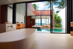 Harmonie Hier läßt es sich aushalten: Geschmackvoll eingerichtete Suiten und Villen umgeben von großen Pools, üppigen Gärten und unberührten weißen Sandstränden ...