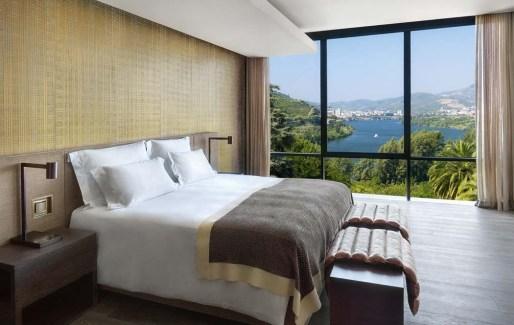 TANGO_online_six_senses_douro_valley_quinta_panorama_bedroom_[6145-original]