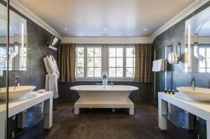 TANGO_online_suite sommet bathroom 1