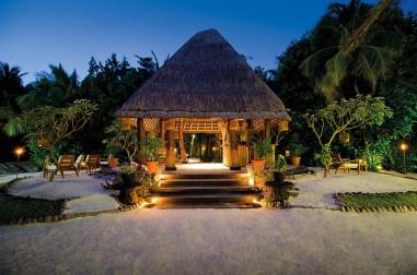 reethi_rah_maldives_dining_02_08_2012_9871hr