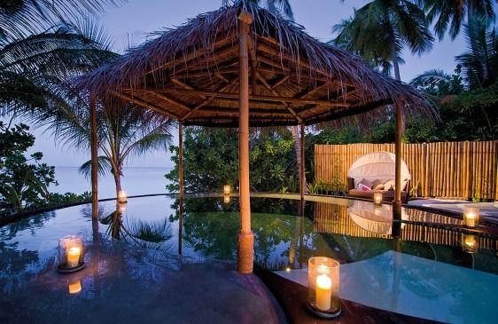 reethi_rah_maldives_pool_beach_spa_02_07_2012_2988hr