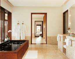 44182793-H1-1BR_Retreat_Villa_Bathroom