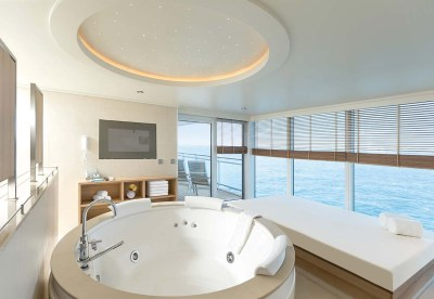 MS_Europa2_EUROPA_2_Owner_Suite_Whirlpool_300dpi
