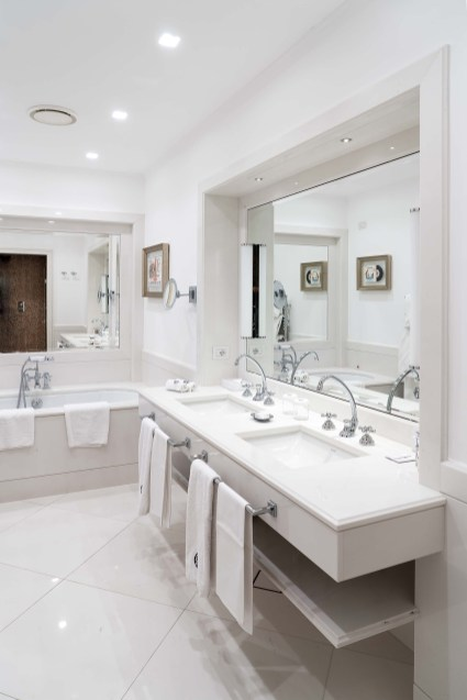 suite_avanti_bathroom