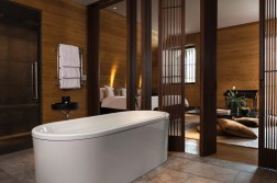 CAM-Rooms-Deluxe_Room-Bathroom_02