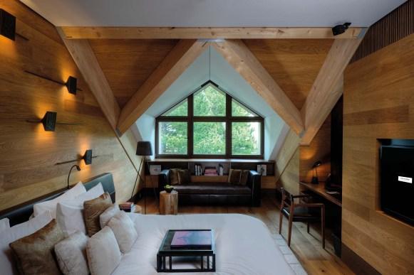 CAM-Rooms-Furka-Suite-Bedroom