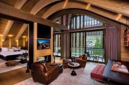 Auf 134 Quadratmetern bietet die Suite eine exklusive Aussicht auf den Gemsstockgipfel