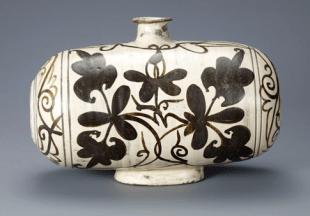 korean pot w flower design