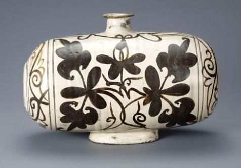 korean pot w flower design