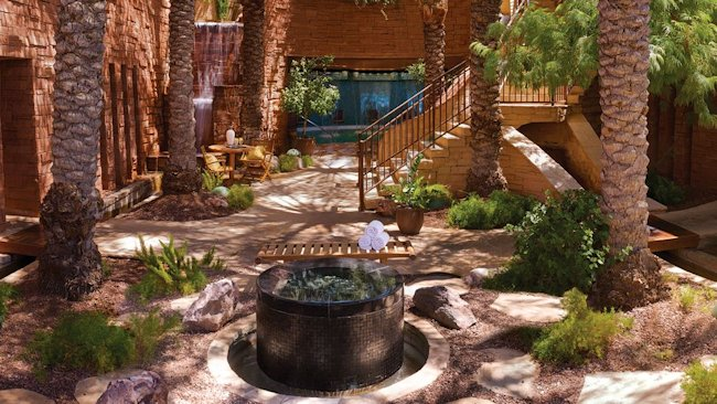 Willow Stream Spa Courtyard