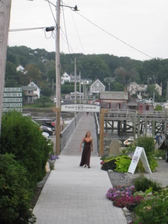 BoothbayHarbor_Footbridge