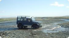 4-wheel driving through Iceland