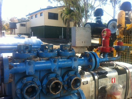 Mud Pumps with manifold (Model: Triplex W446)