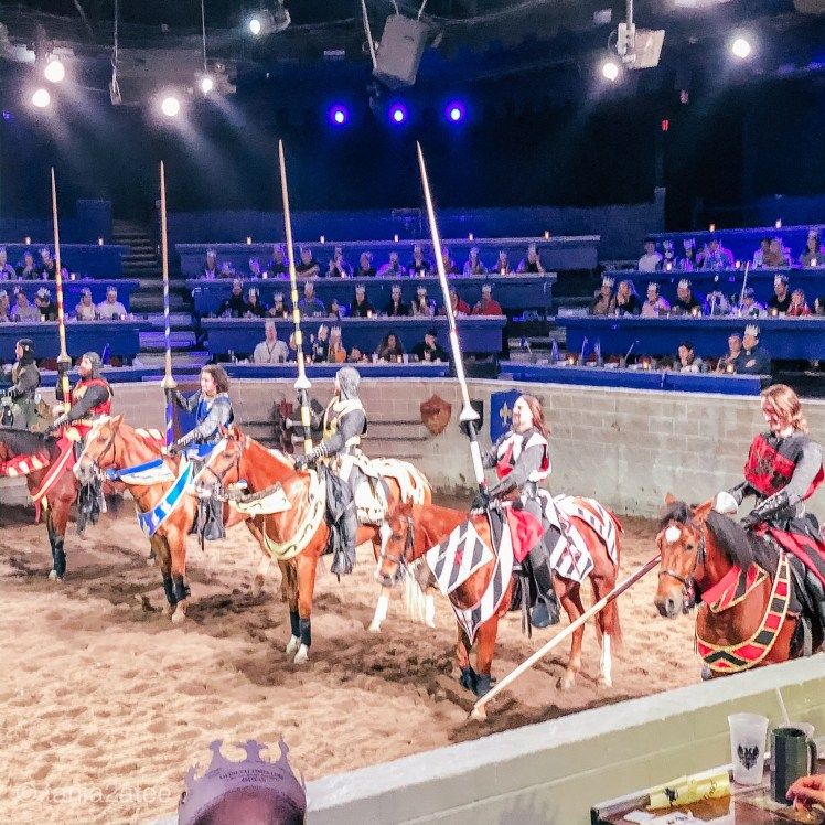 Medieval-Times-knights-ready-for-battle-on-horses