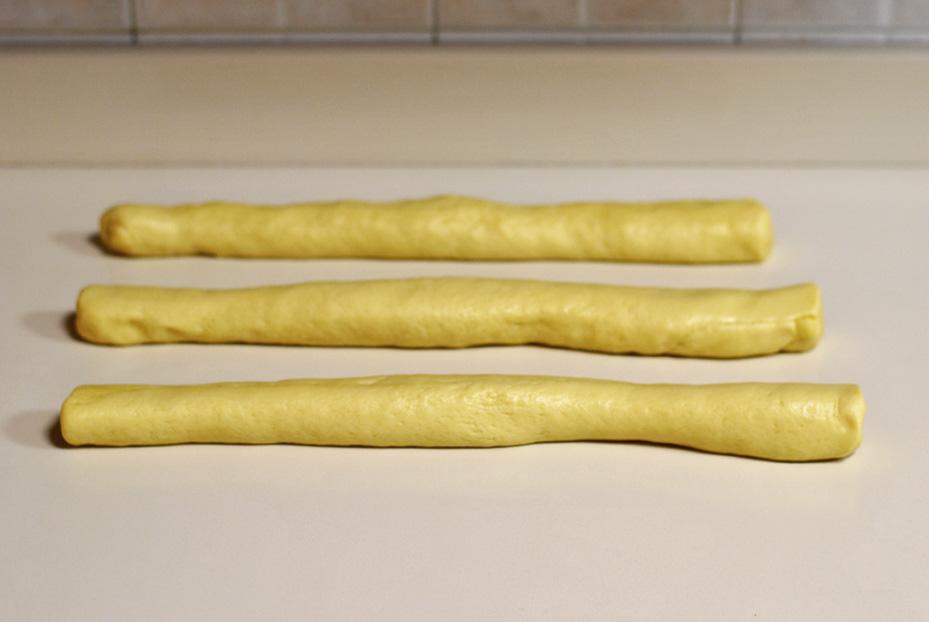 3 strands of dough