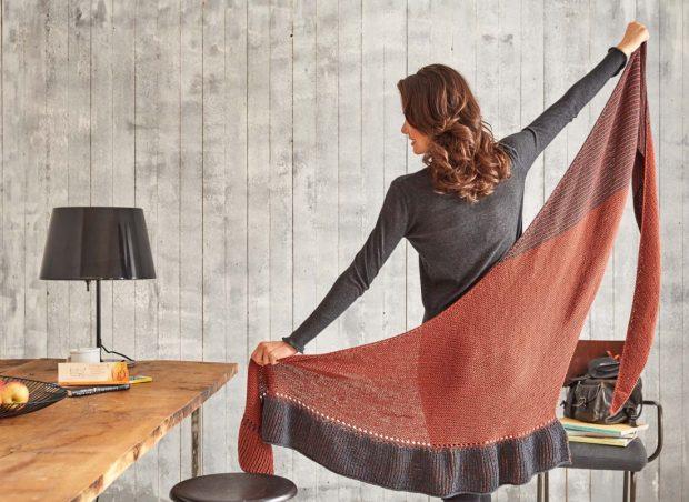 Das neue Tuch aus Schachenmayr Merino Extrafine Silky Soft 120 mal in ganzer Pracht! Foto: Olaf Szczepaniak