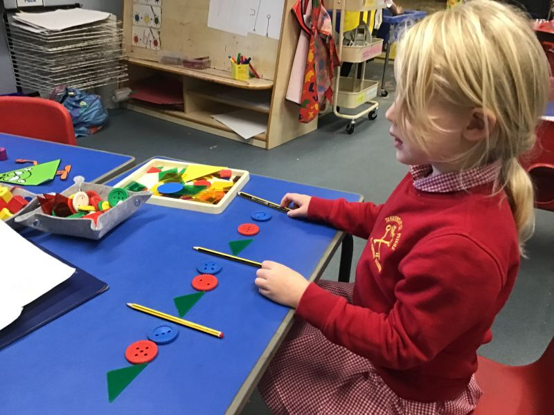 THE SHINING STARS ENJOY COMPLETING AND CREATING THEIR OWN REPEATING PATTERNS!