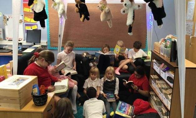 WE LOVE READING!