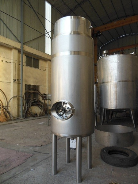 Vertical Tank Small