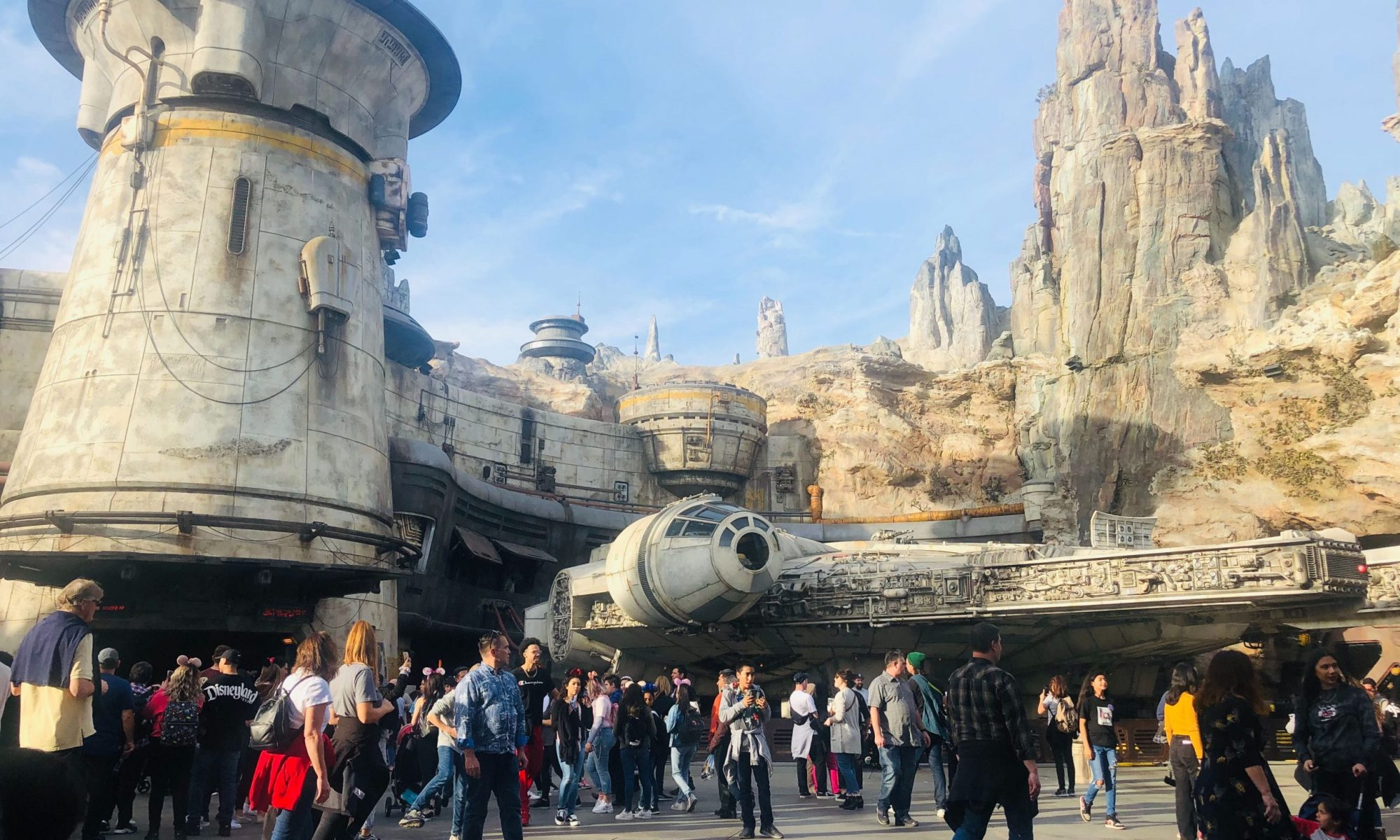 Millenium Falcon at Galaxy's Edge