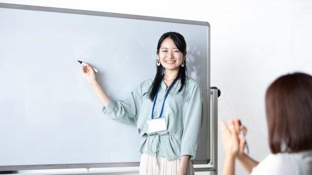 授業をしている教師