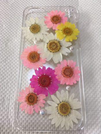 押花を並べたiPhoneケース