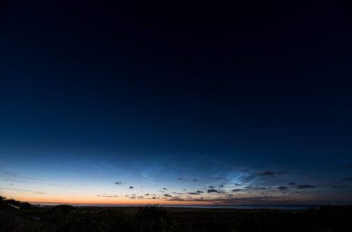 """In der Nacht auf den 24. Juni, den Tag der Sommersonnenwende, habe ich dieses Bild der """"weißen Nacht"""" gemacht. Der klare Himmel lässt die Sterne am Firmament erkennen. (Foto: Andreas Lerg)"""