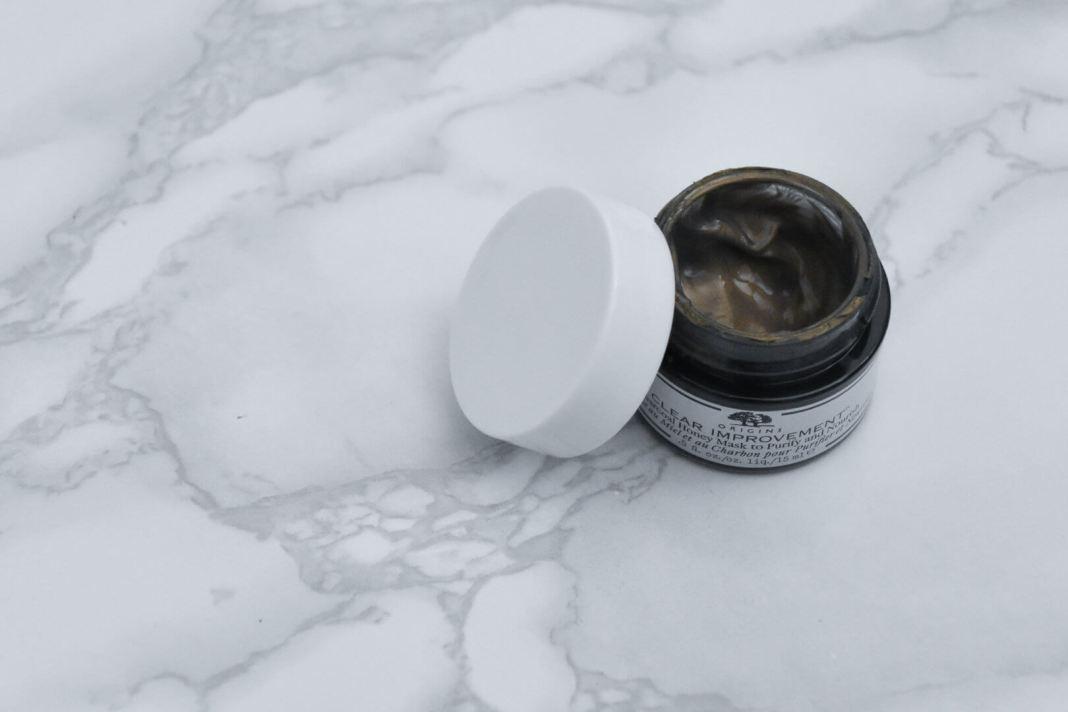 Clear Improvement houtskool-honing masker kleur