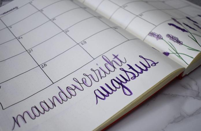 Mijn bullet journal setup voor augustus maandoverzicht