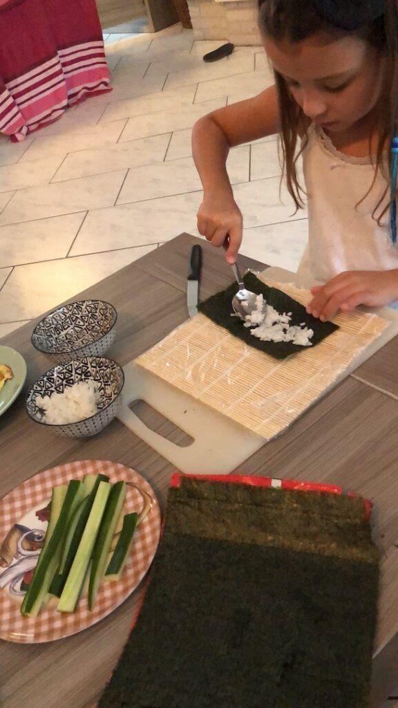 Weer zieken in huis sushi maken