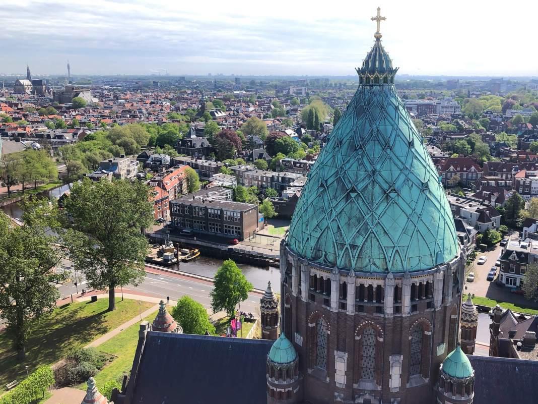 het uitzicht bij de klokken van de kathedraal
