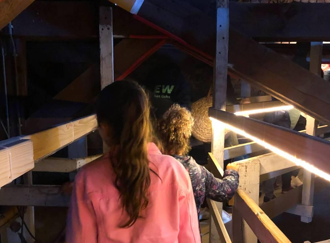 klim naar het licht via de zolder van de kathedraal