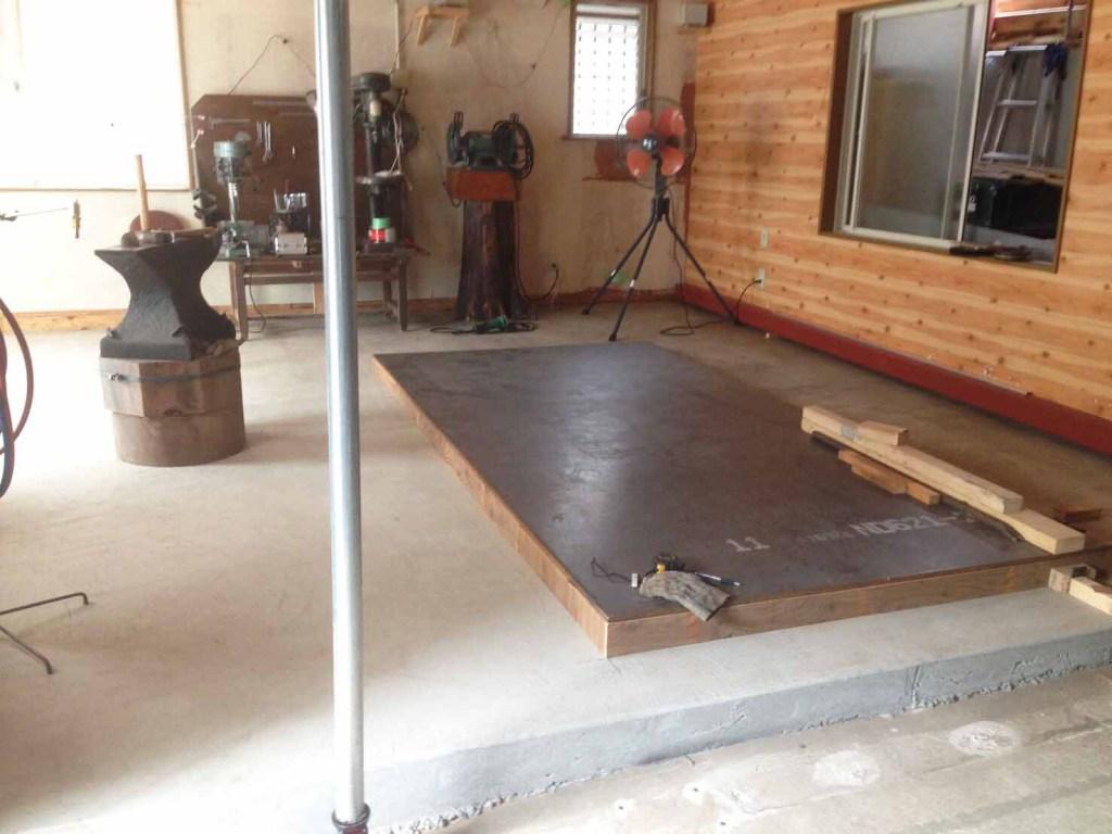 工房の鉄板