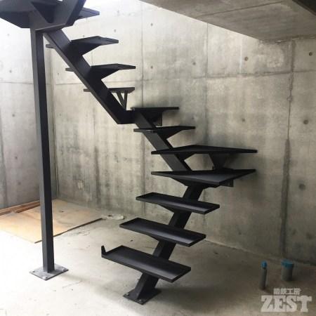 アイアン階段