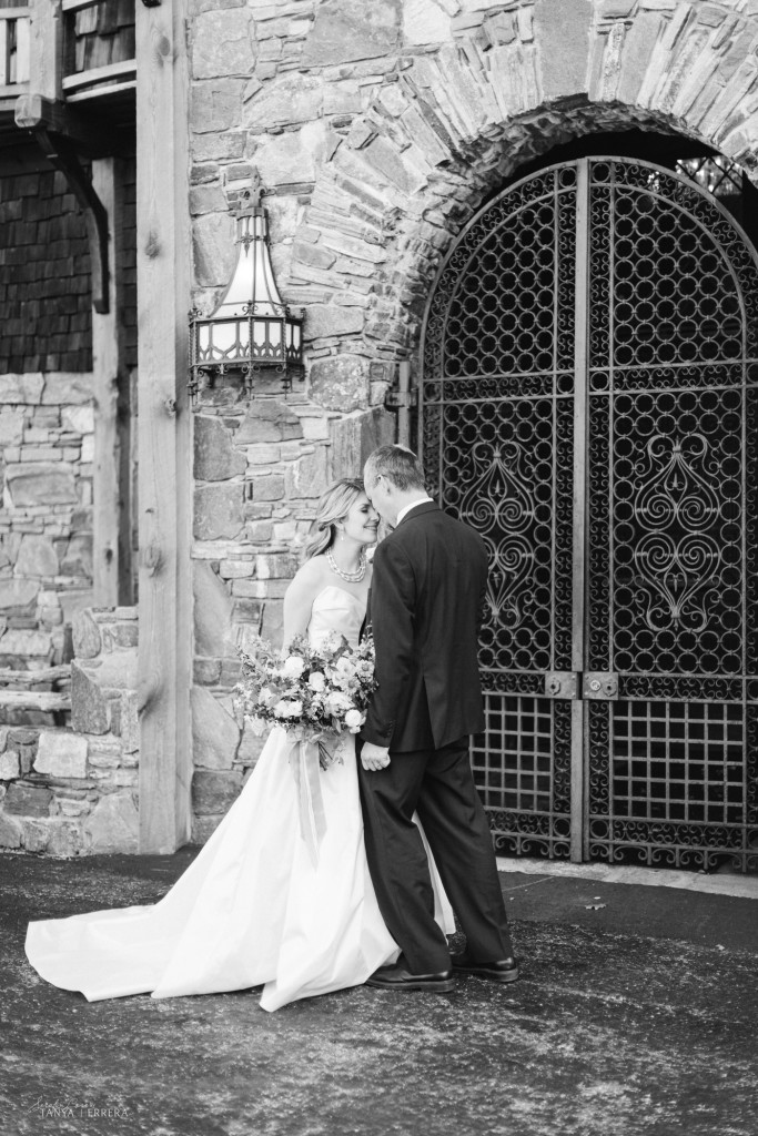 mike & Meredith styled shoot bill myer's castle ©tanya rodriguez-1