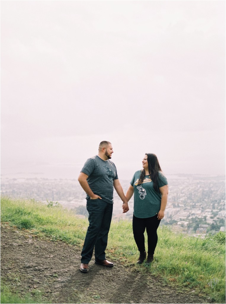 Grizzly Peak Oakland Engagement Session Photographer Rubi And Misa01