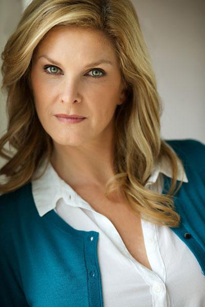 Tanya Foster headshot