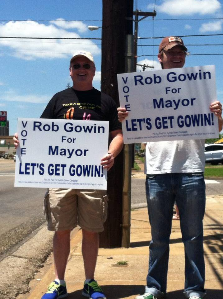 Tomato_Republic_-_Rob_Gowin_and_Foster_Carter_hold_campaign_signs_on_election_day[1]