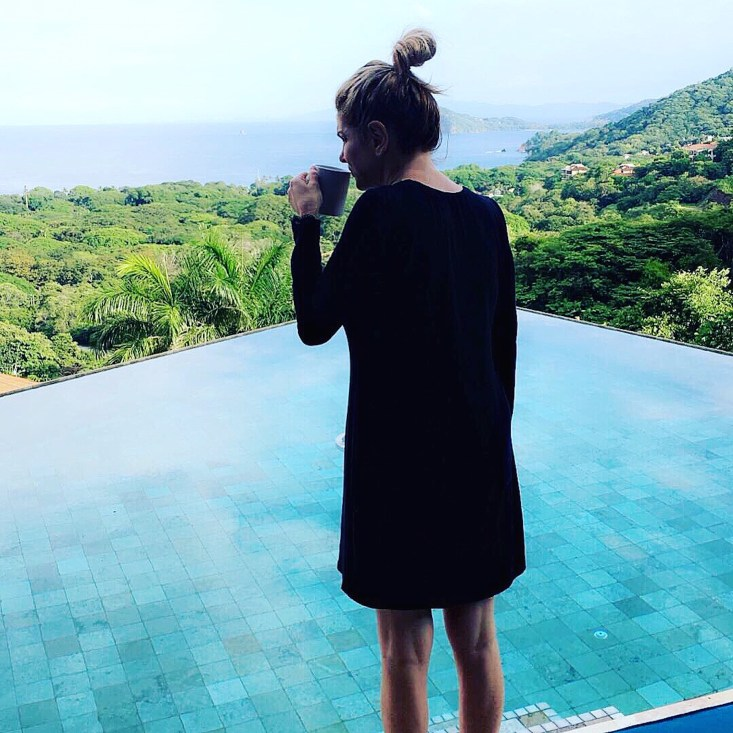 morning coffee, vacation, infinity pool, black night gown, luxebae, Costa Rica, Lifestyle blogger