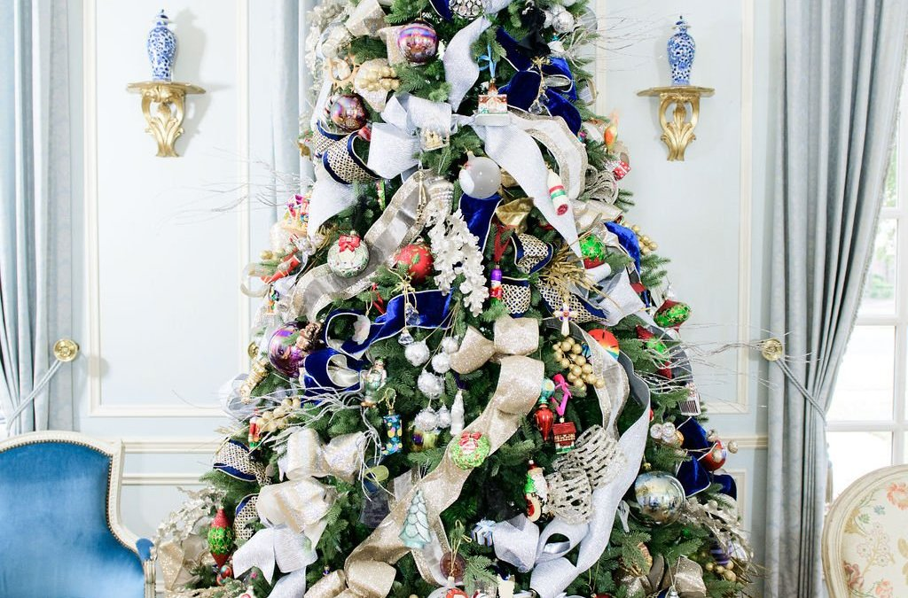 Hello Holidays: Instantly elevate your holiday decor!