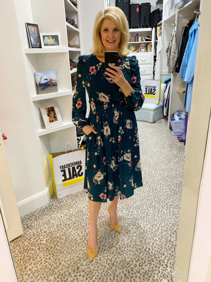 Top US fashion blogger, Tanya Foster shops the Nordstrom Anniversary Sale: image of Tanya Foster in an Eliza J dress from Nordstrom