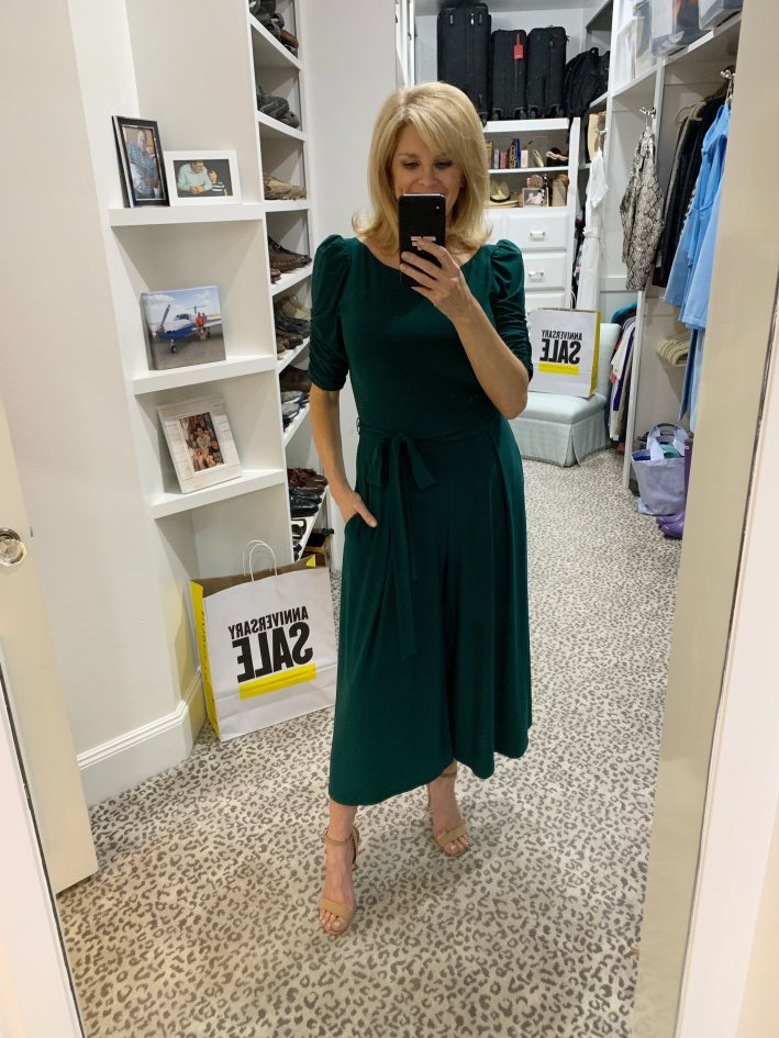 Top US fashion blogger, Tanya Foster shops the Nordstrom Anniversary Sale: image of Tanya Foster in Eliza J from Nordstrom